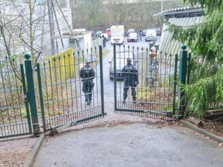Illegaler Hundering Kreuztal - Das Eingangstor des Zuchtbetriebes