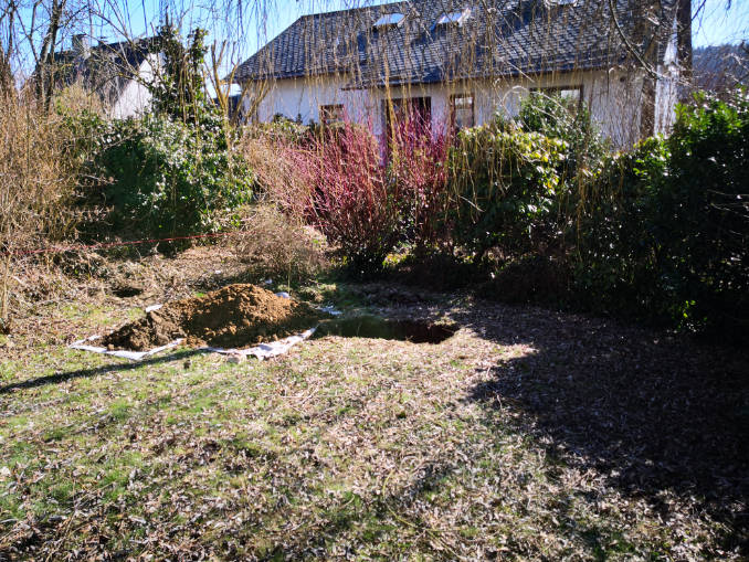 Hund im Garten begraben